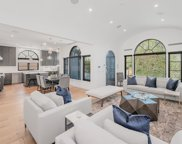 331 N Crescent Heights, Los Angeles image