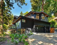 10020 SE 27th St, Bellevue image