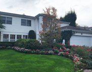 170 Country Club Dr, Commack image