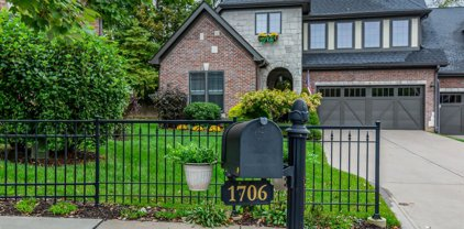 1706 S Springhouse Drive, Bloomington