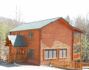 725 Mountain Stream Way, Gatlinburg image