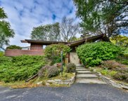 1425 Rolling Meadow Dr, Brookfield image