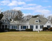 21 Thornhedge Rd, Bellport Village image