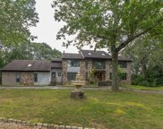 3 Lakeview Drive, Perrineville image