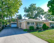 3917 West Jarvis Avenue, Lincolnwood image