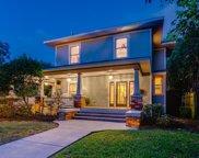 300 S Edgefield Avenue, Dallas image