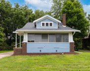 1009 W Hovey Avenue, Normal image