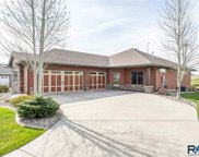 1017 Clubhouse Ct, Dell Rapids image