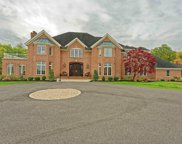 9 Sage Estate, Colonie image