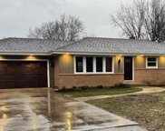 18560 W Evergreen Pl, New Berlin image