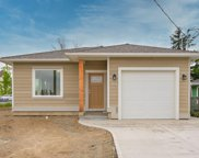 104 Lee  Ave, Parksville image