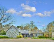 285 W Laurel Avenue, Lake Forest image