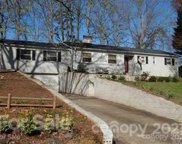 521 10th St Nw Place, Hickory image