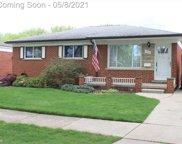 21331 PARKWAY, St. Clair Shores image