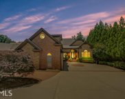 6356 Lakeview Dr, Buford image