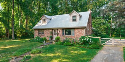 998 Providence Rd, Newtown Square