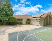 1927  Meadow View Court, Thousand Oaks image