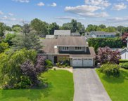 17 Timber Ridge Dr, Commack image