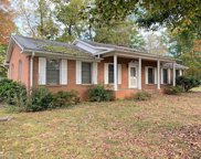 909 Oakview Road, High Point image