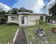 2100 Nw 93rd St, Miami image