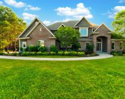5155 S Scenic View Ct, New Berlin image