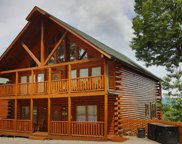 948 Black Bear Cub Way, Sevierville image