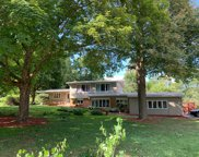17830 Maple Tree Ln, Brookfield image