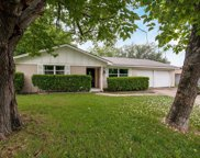 385 Bellvue Drive, Fort Worth image
