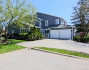 2752 The Mews, Northbrook image