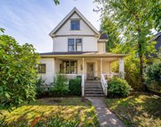 316 Third Avenue, New Westminster image