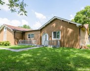 8112 Moores Ln, Brentwood image