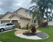 215 Sw 180th Ave, Pembroke Pines image