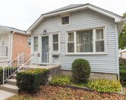 3235 North Opal Avenue, Chicago image