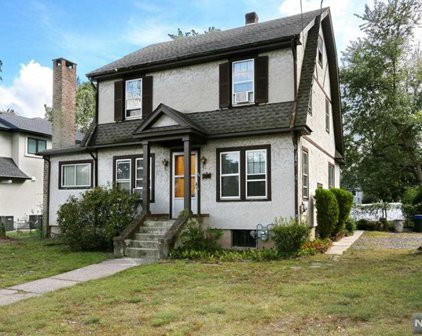 56 Pershing Place, Cresskill
