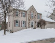 907 Valley Hill Dr, Waukesha image