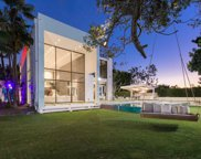 1024 Summit Drive, Beverly Hills image