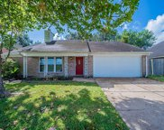 2424 Shadybend Drive, Pearland image