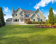 34 Waterview Ct, Riverhead image