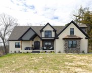 445 Fordes Crossing Drive, Bowling Green image
