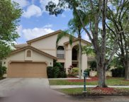 1060 Fairfax Ln, Weston image