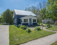221 1st Street, Lakeview image