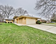 6924 North Kenneth Avenue, Lincolnwood image