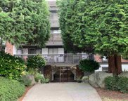 1610 Chesterfield Avenue Unit 205, North Vancouver image