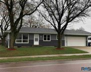 304 S Bahnson Ave, Sioux Falls image