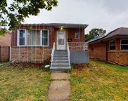2653 West Pratt Boulevard, Chicago image