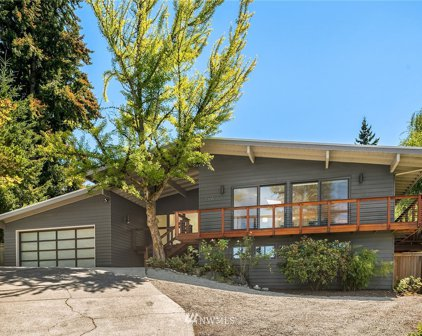1308 158th Place SE, Bellevue