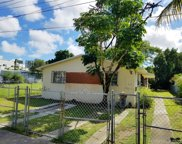 42 Nw 42nd St, Miami image