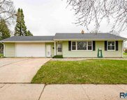 2201 E 8th St, Sioux Falls image