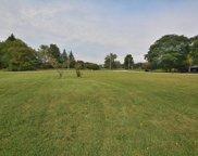 18755 Heathway Ln, Brookfield image