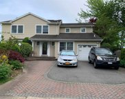 199 Continental  Drive, Manhasset Hills image